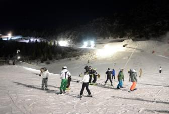 Happy Snow night skiing Monte Bondone Trento - Credits Tonina