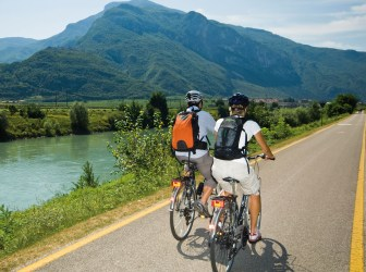 BIKING-and-TASTING-ALONG-ADIGE-RIVER